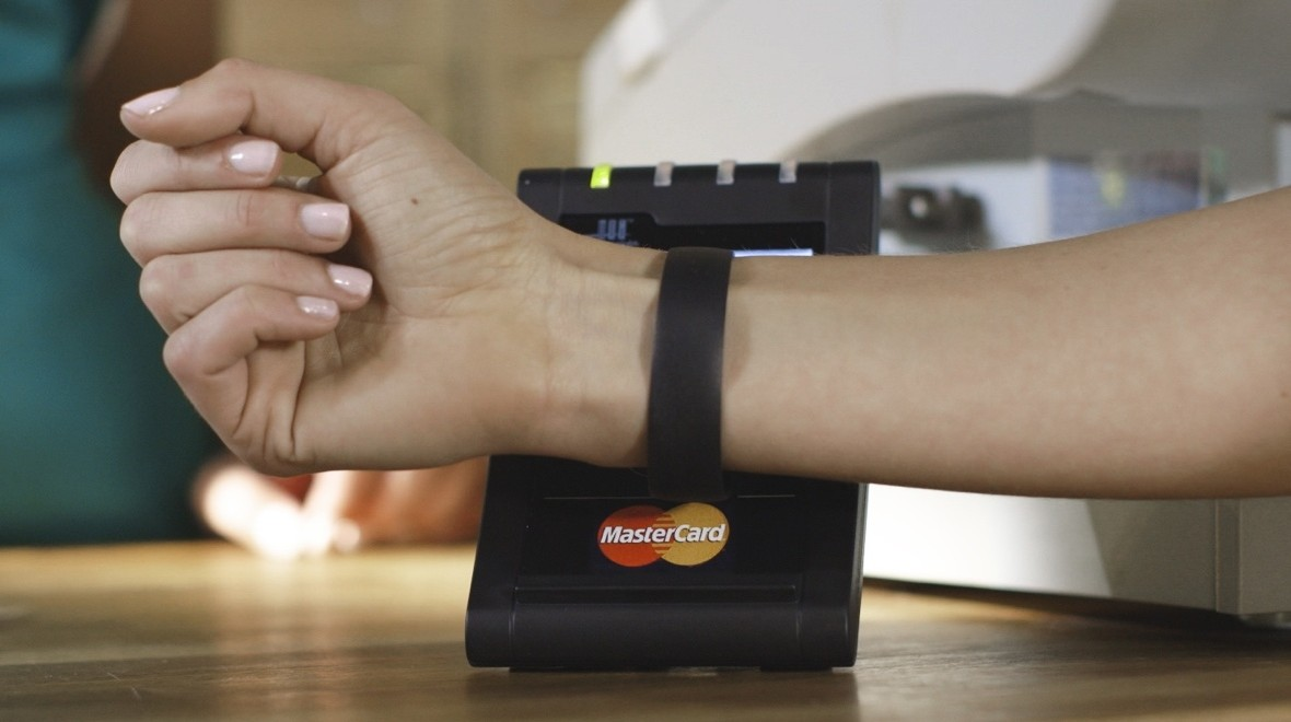 MasterCard wearable payments coming to Moov