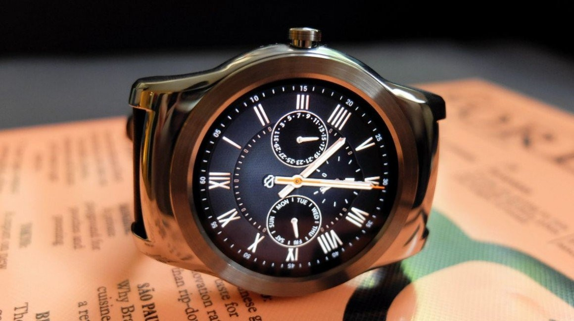 Round v square faced smartwatches: We ask the experts ...