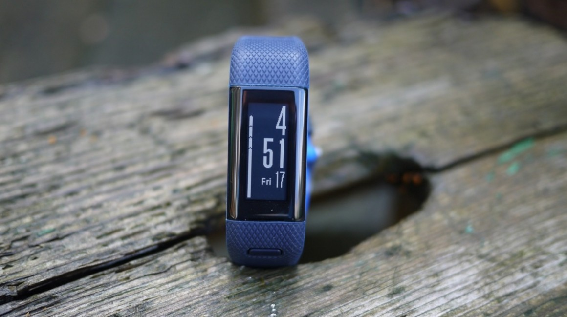 Fitbit Charge 2 v Garmin Vivosmart HR+