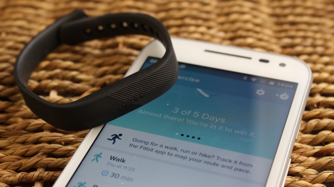 Fitbit Flex 2 vs Fitbit Charge 2: Which fitness tracker is best for you?