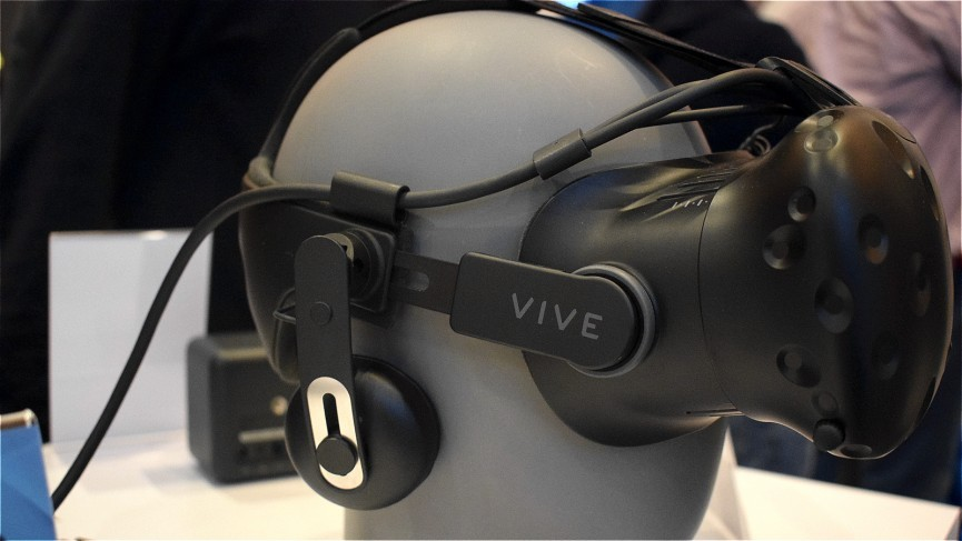 HTC confirm release date for Vive Tracker and Deluxe Audio Strap