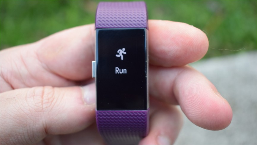 Fitbit Alta HR v Fitbit Charge 2