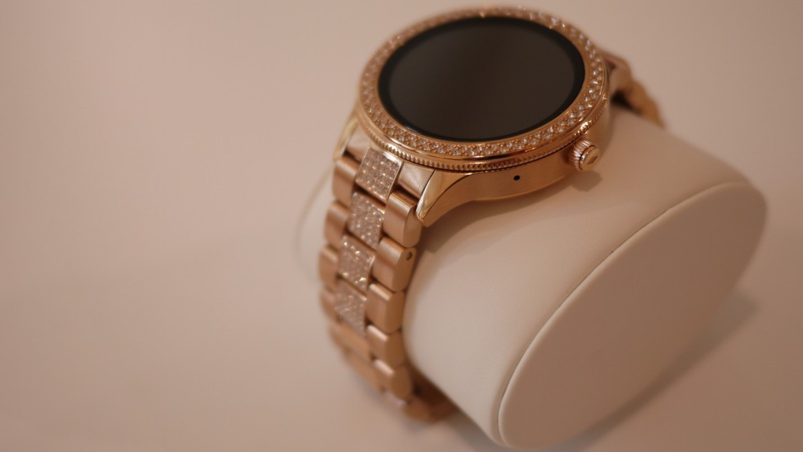 First impression: Fossil Q Venture first credible Android Wear for the ladies