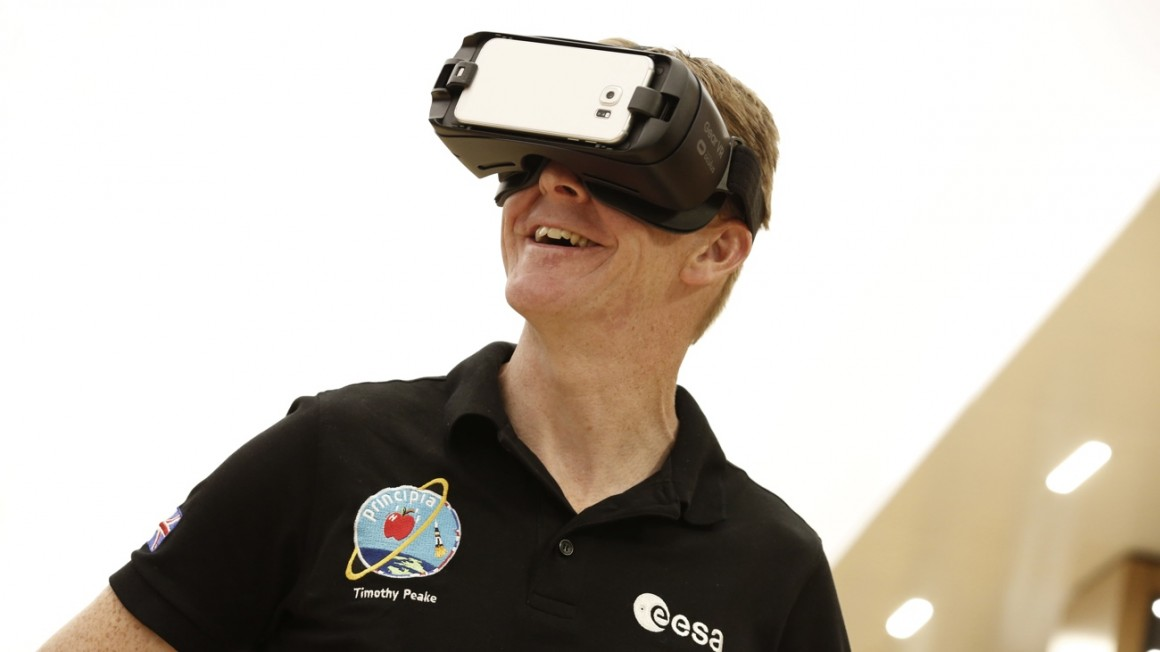 Hurtling down from space in VR you can learn a lot