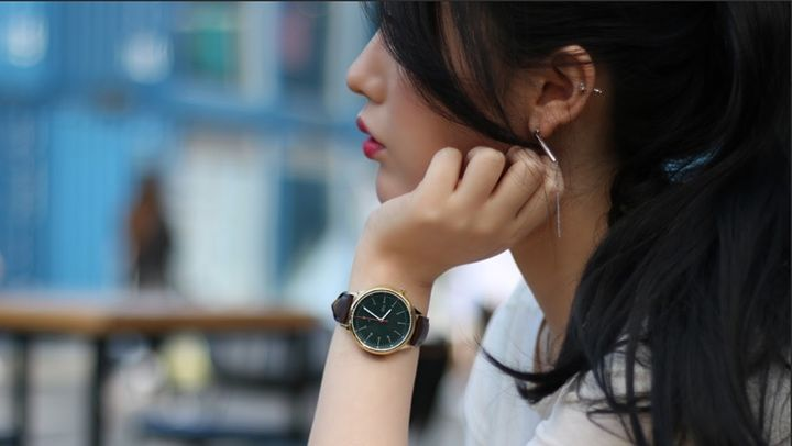 Carah is a stylish smartwatch that wants to keep women safe