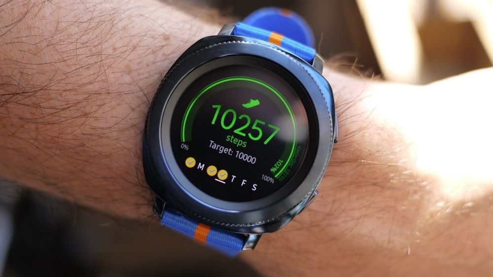 Samsung gear sport first look strong contender for smartwatch champ - Samsung dive galaxy s3 ...