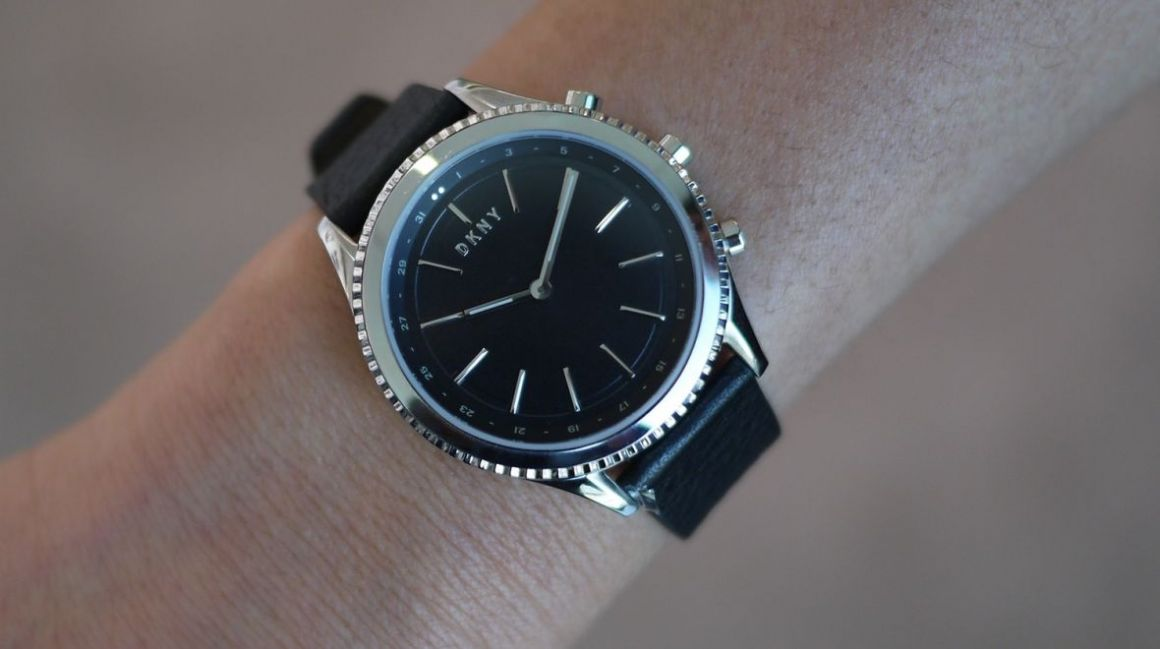 Desirable DKNY Minute blends form, function and price
