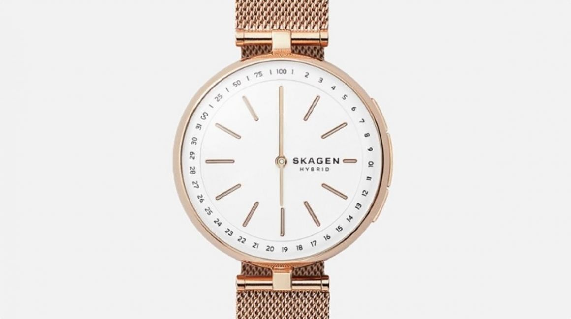 Fossil's new smaller hybrids for women look identical to your fashion watch