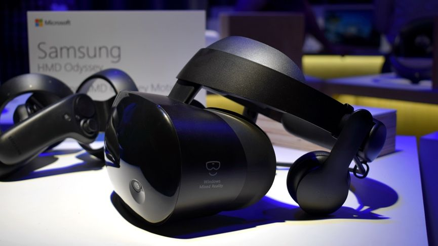 Samsung's Odyssey headset is hard to distinguish from the Oculus Rift