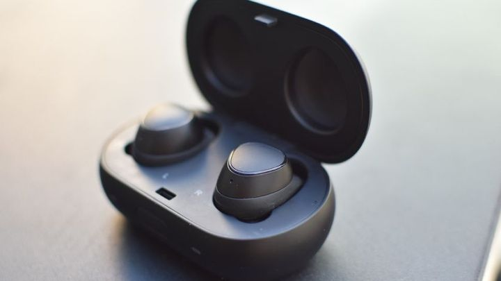 Best Apple Airpods Alternatives Smart Earbuds To Try Out