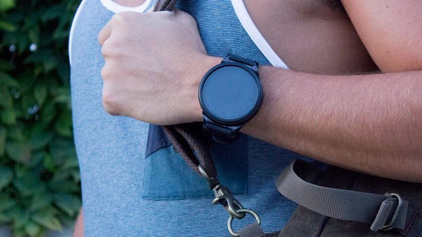 Shell's standalone smartwatch transforms into a smartphone when you need it