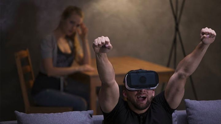 Guessing the stories behind seven Stock images of people in VR