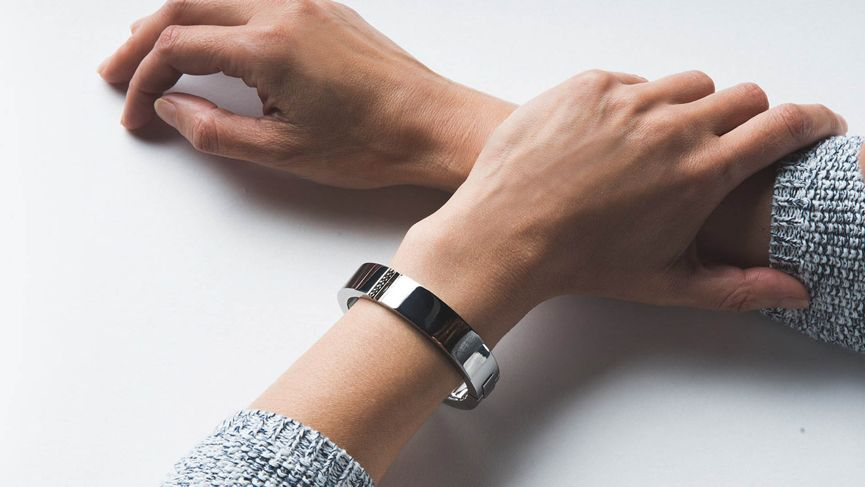 Why fashion tech startups Ringly and Wisewear failed