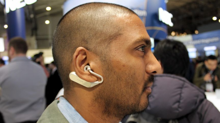 Sony Xperia Ear Duo looks whacky, but this hearable packs in some nice smarts