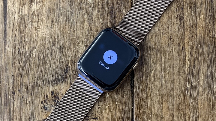 Clearing notifications on Apple Watch