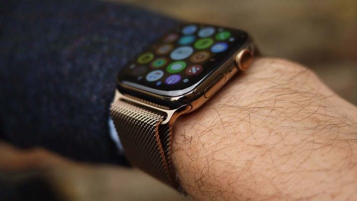 Apple Watch Series 4 v Samsung Galaxy Watch: The flagship face-off