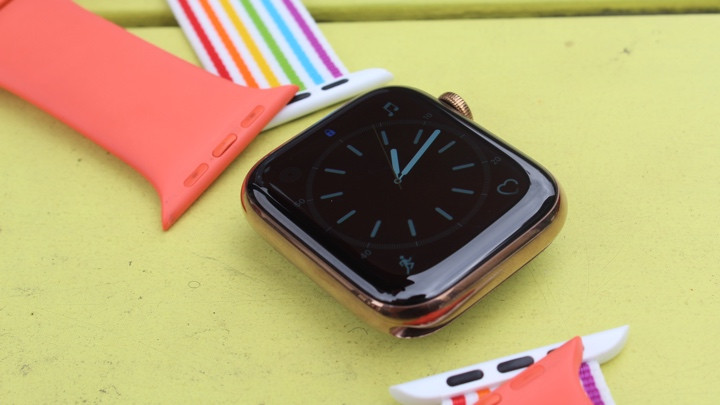 Swapping Apple Watch bands