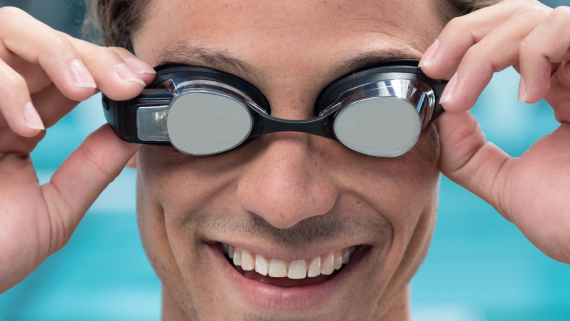 Form swimming goggles are bringing augmented reality into the water