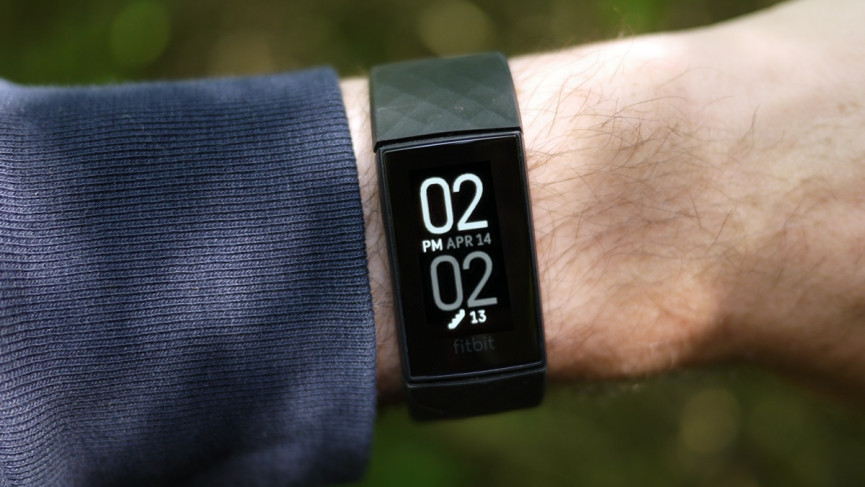 Fitbit Charge 4 dianteiro