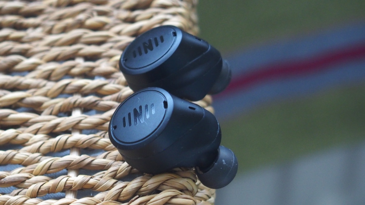 Nuheara IQbuds 2 Max side on view