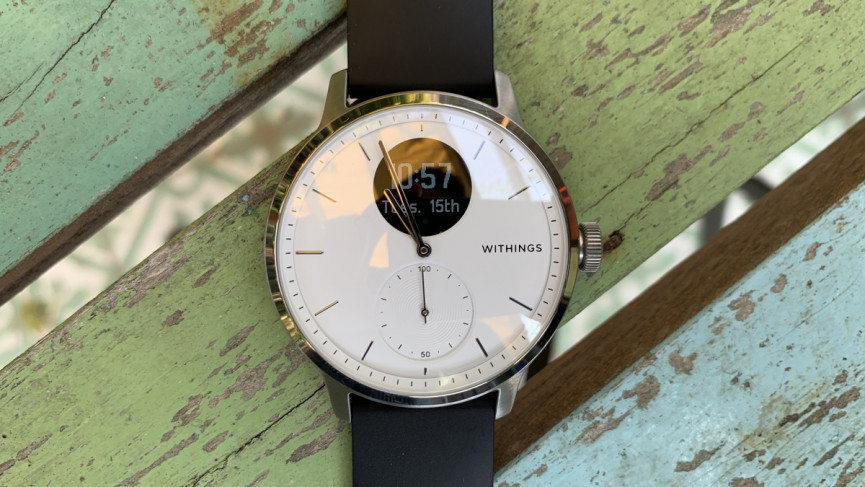 Withings ScanWatch and display showing time