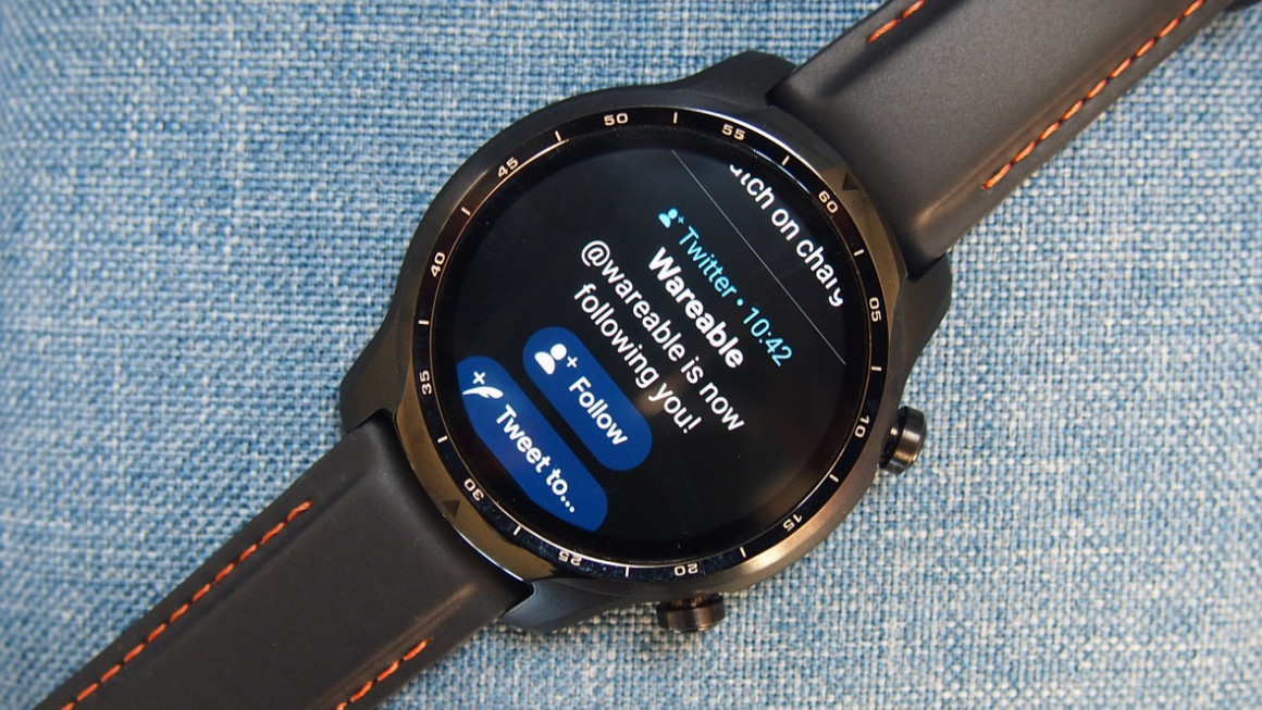 TicWatch Pro 3 smartwatch features