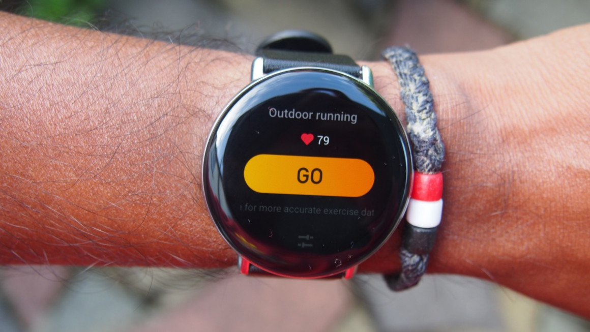 Zepp E outdoor running with connected GPS