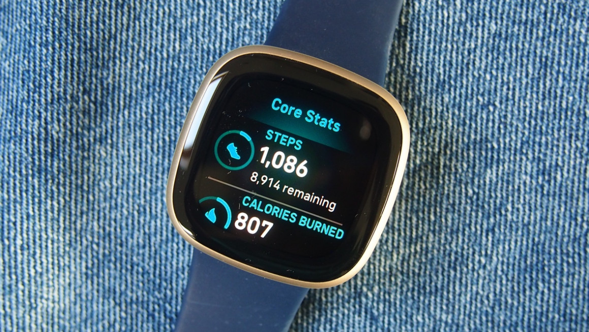 Fitbit Versa 3 showing daily stats and step goal