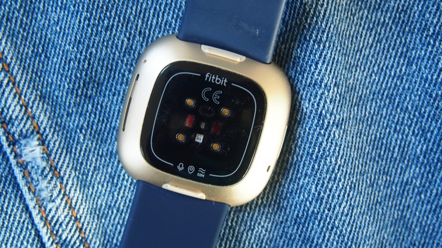 Fitbit Versa 3 heart rate monitor