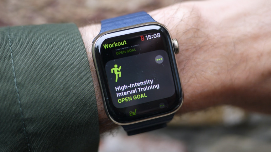 Apple Watch Series 6 showing workout tracking