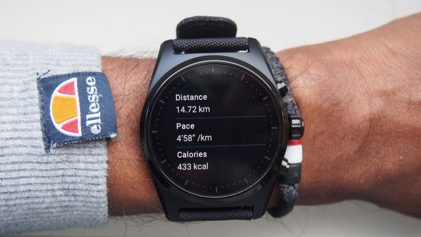 Montblanc Summit Lite running stats on watch