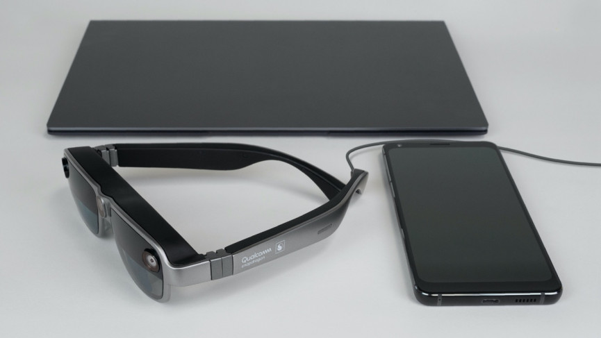 Qualcomm unveils smartglasses reference hardware